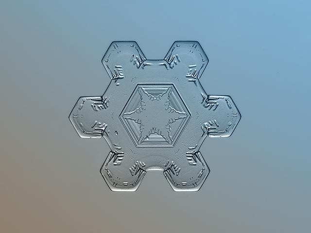 Snowflake-Close-up-11